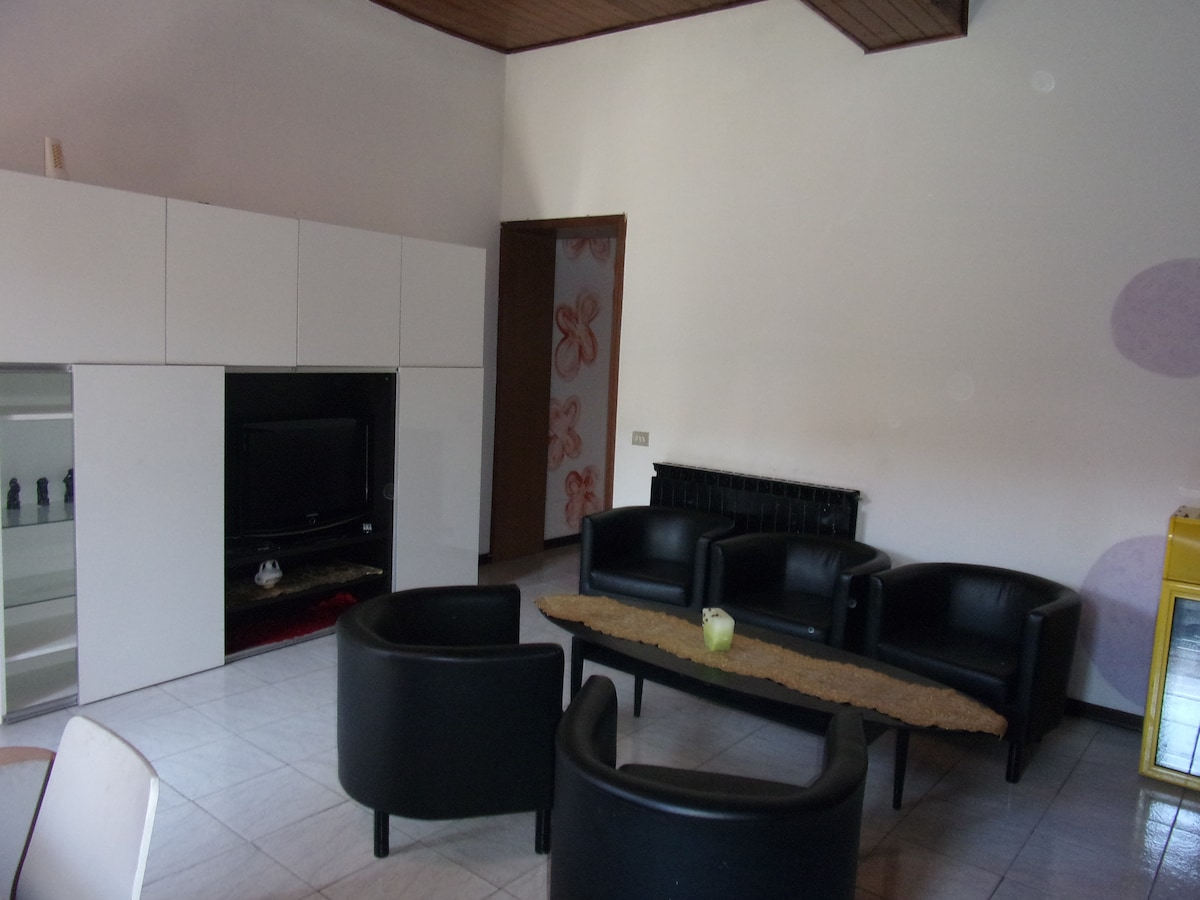 self contained 20 min mxp 30 milan
