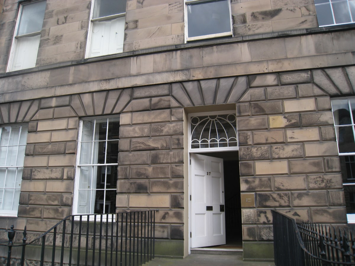 Historic Central Flat, Double Room