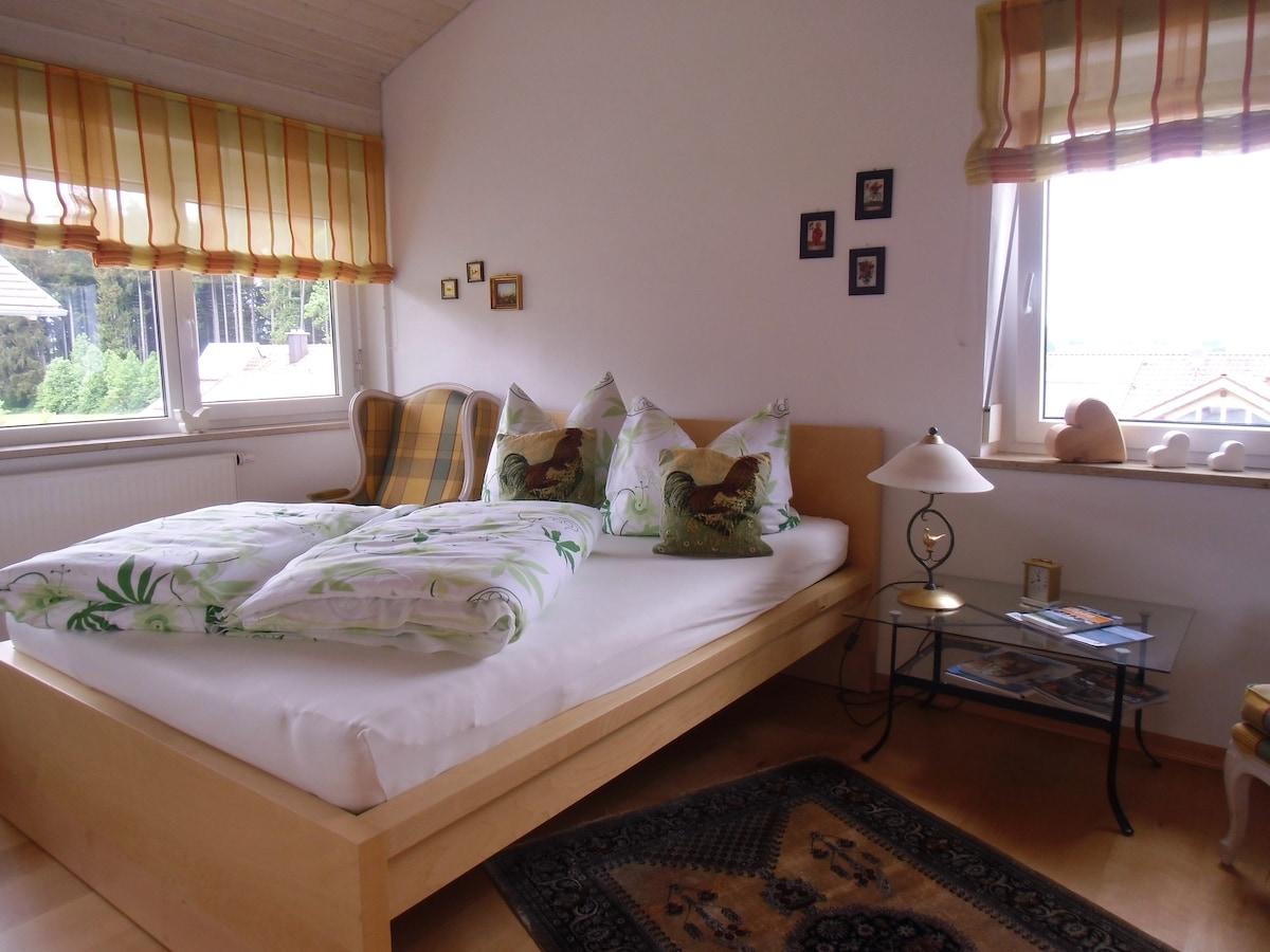 Frisch aufgeschüttelte Betten- da lässt es sich gut schlafen