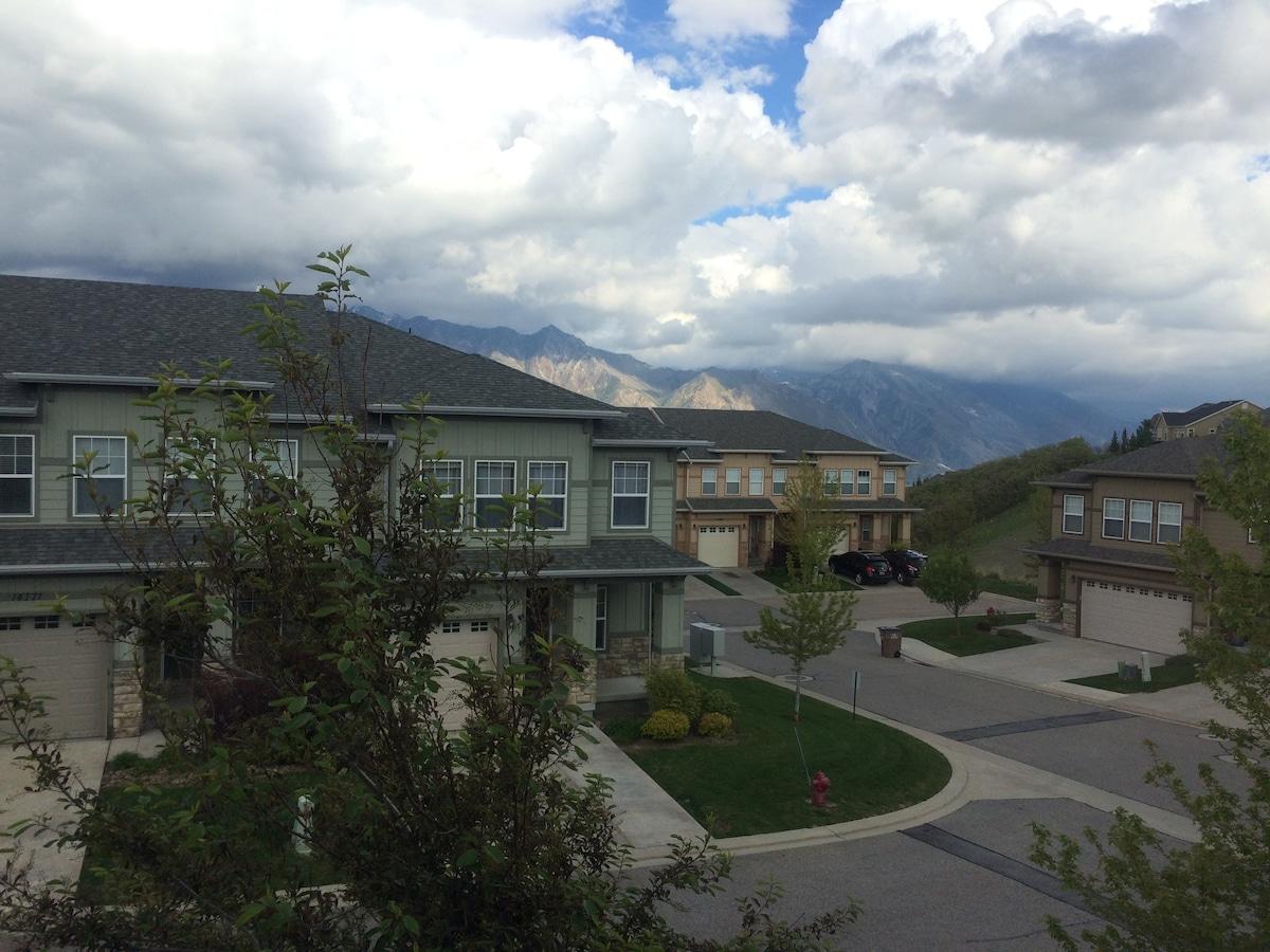Townhouse between SLC & Utah Valley