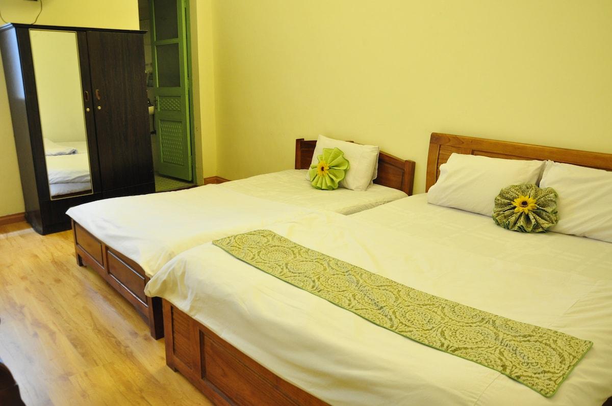 $17 Triple room in center of Hanoi