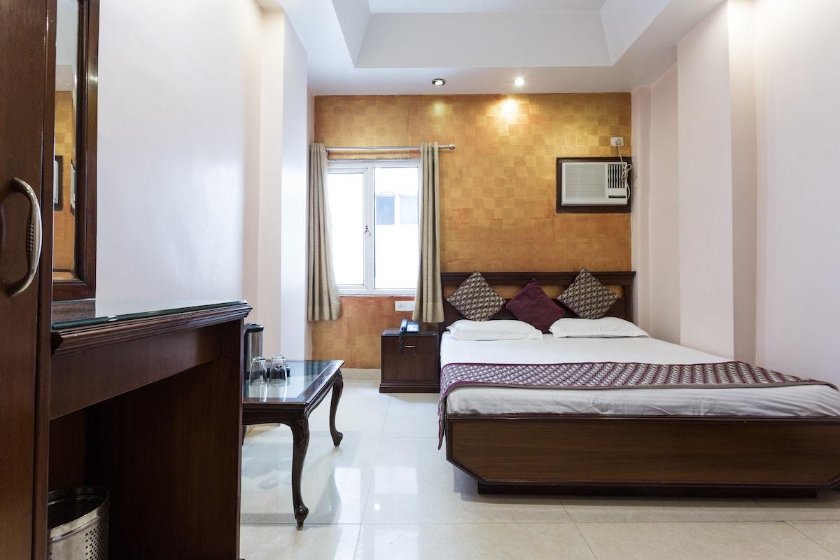 Hotel Amax Inn Deluxe Room