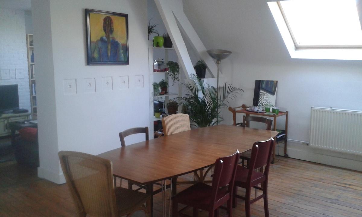 Big&spacious room in Dansaert area