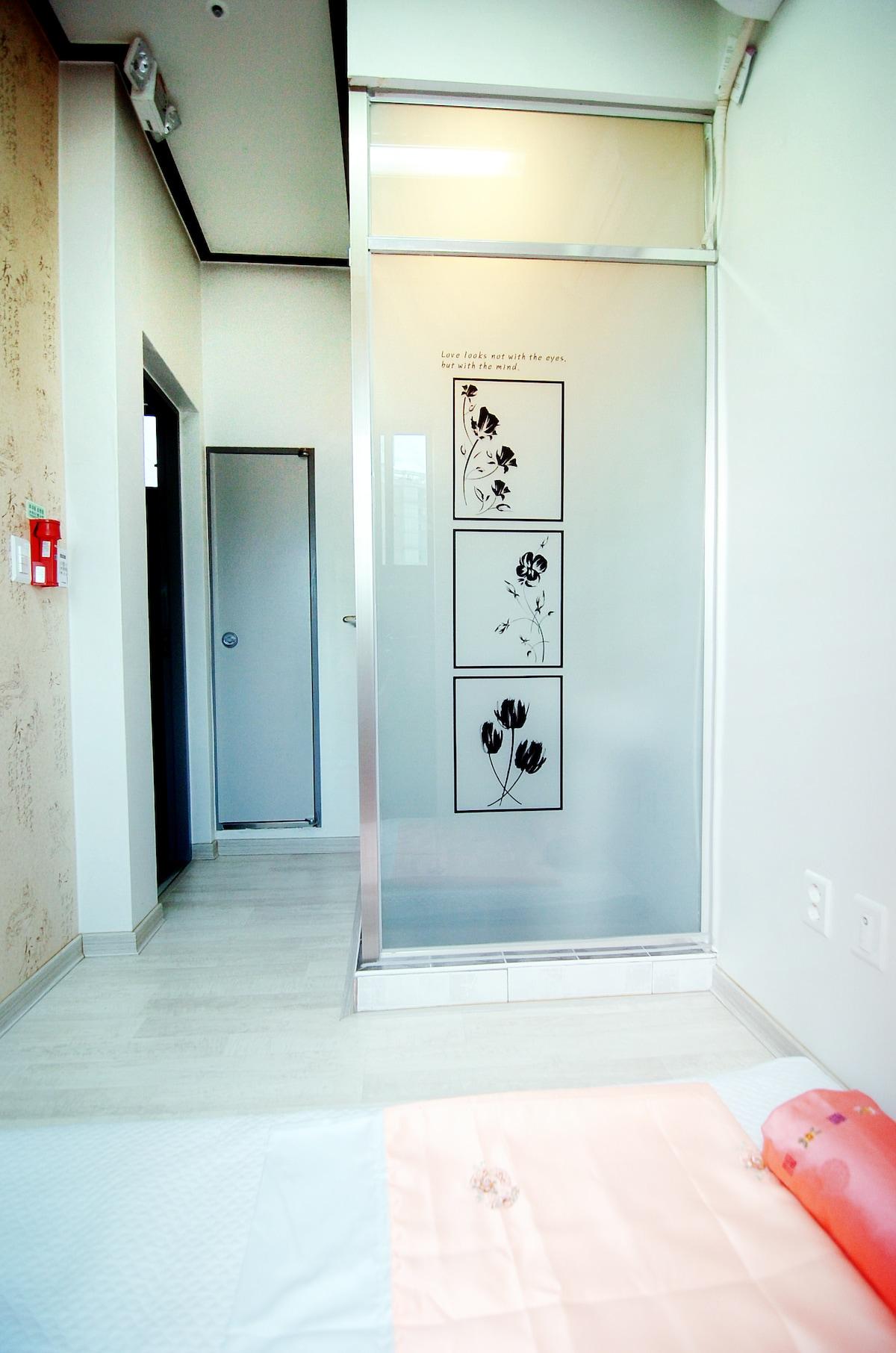 Single room B1- Capsule Guest House