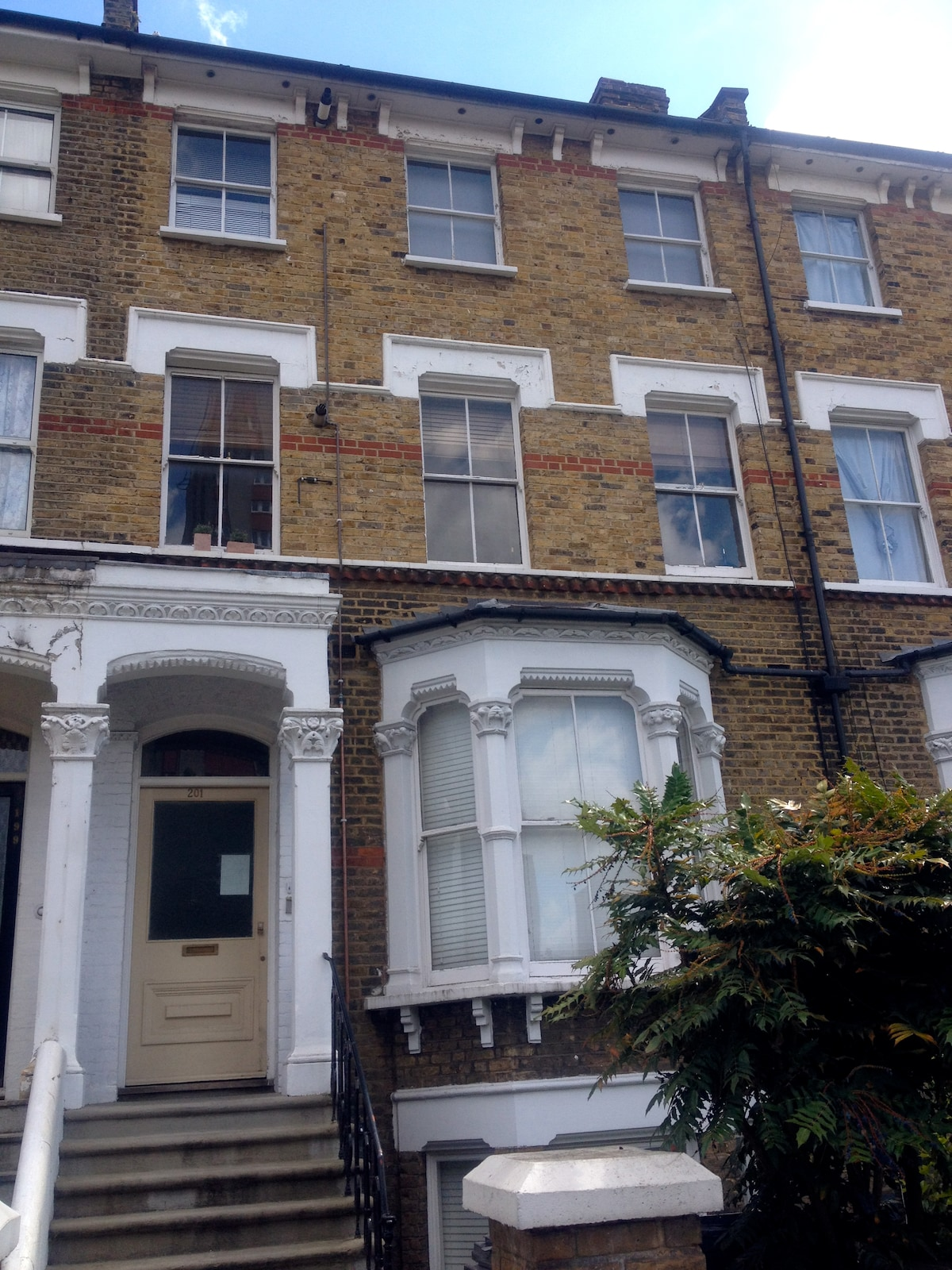 Sunny Double Room in Stockwell