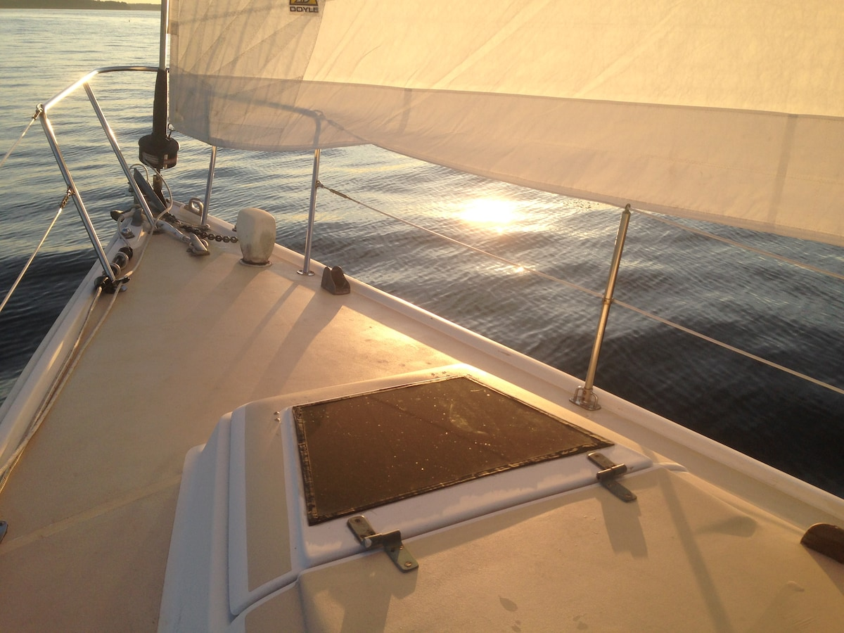 Sail and Stay Package