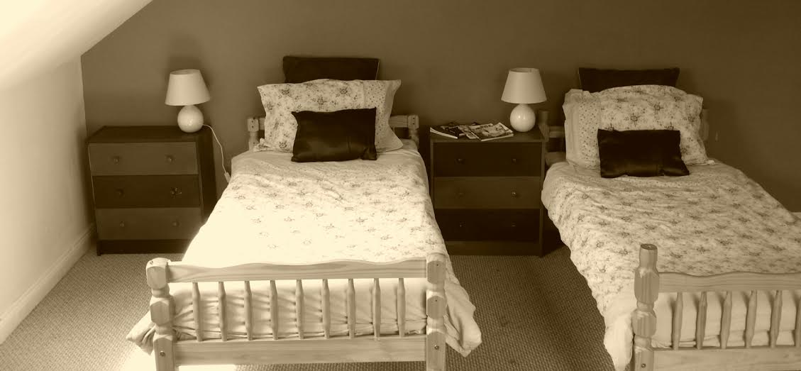 Twin Single bed with breakfast