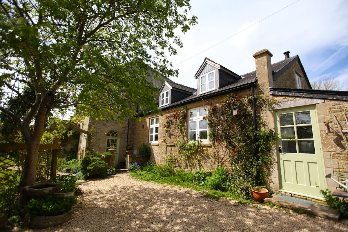 Chapel Cottage, Lower Chedworth