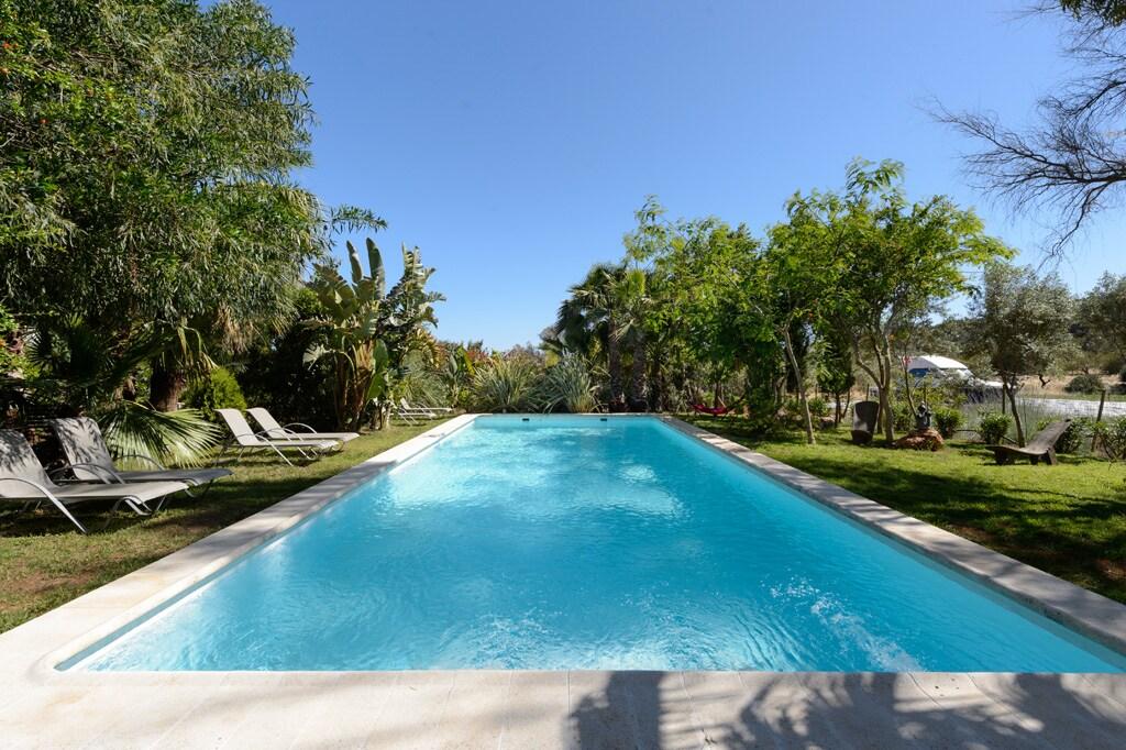 Jasmine Room AC magic garden pool