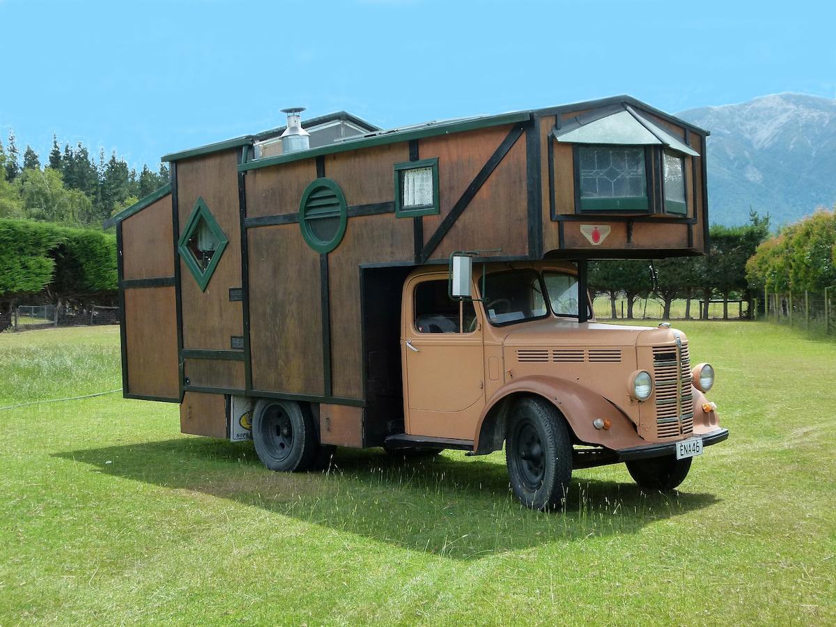 House Truck (Gypsy Wagon / Caravan)