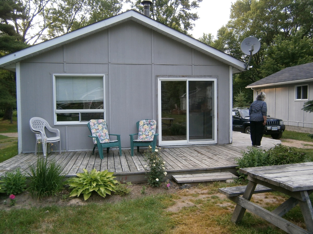 MARILYN ,S COTTAGE