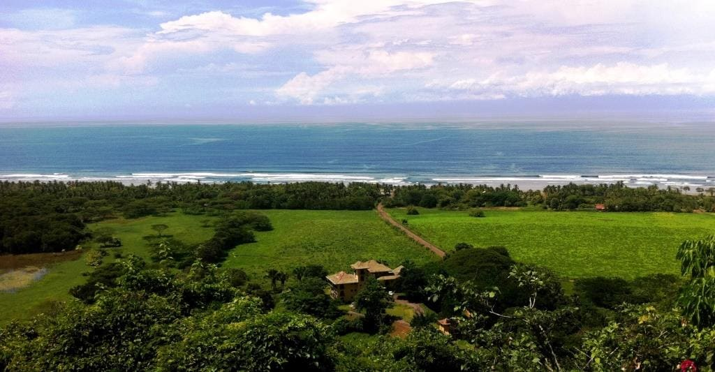 Enjoy Nature & beach from the hill