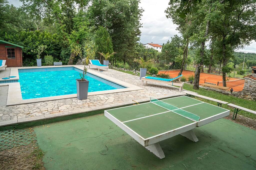 Newly renovated villa with pool