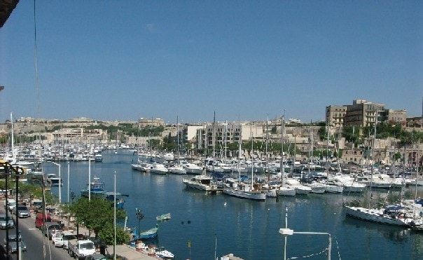 Seafront Apartment in Msida