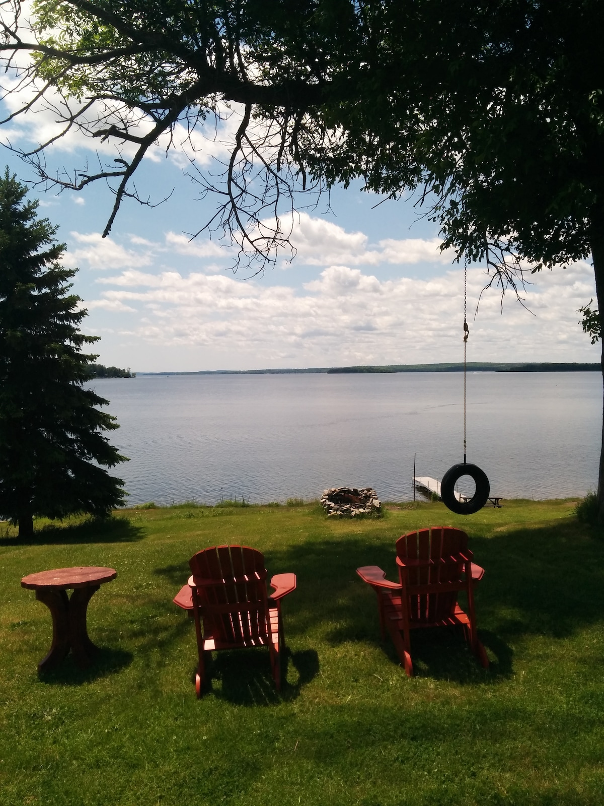 Cozy, Lakefront Cabin on Rice Lake