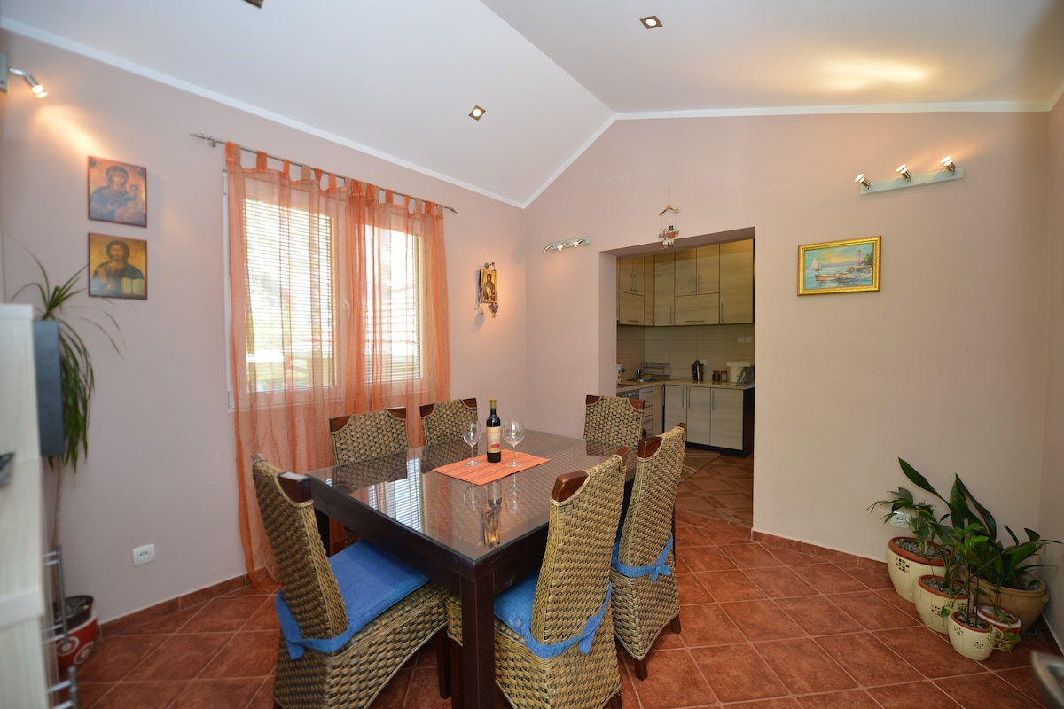 J & P Apartments Luxury Orahovac