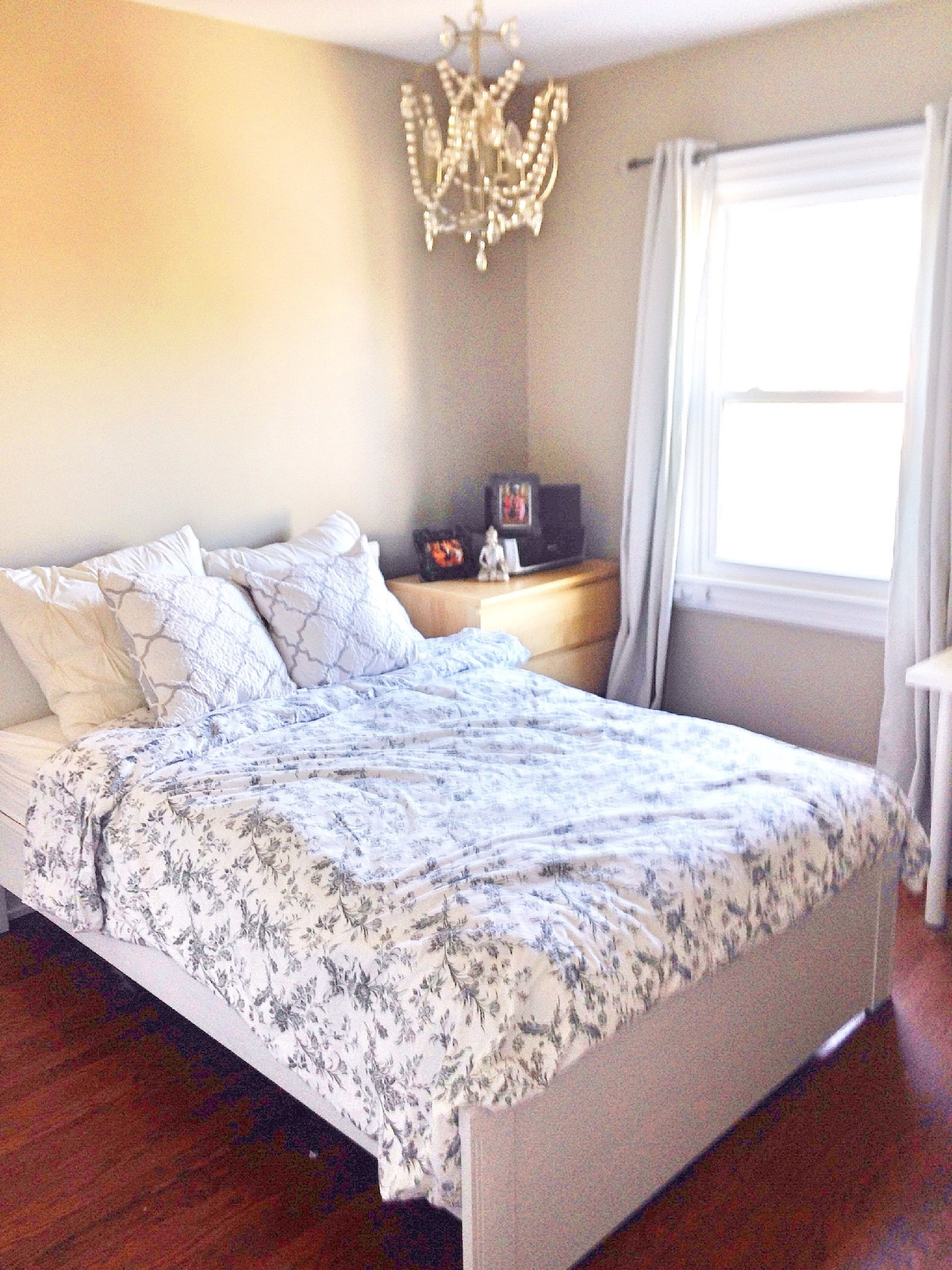 Bright and Comfy Bedroom for You