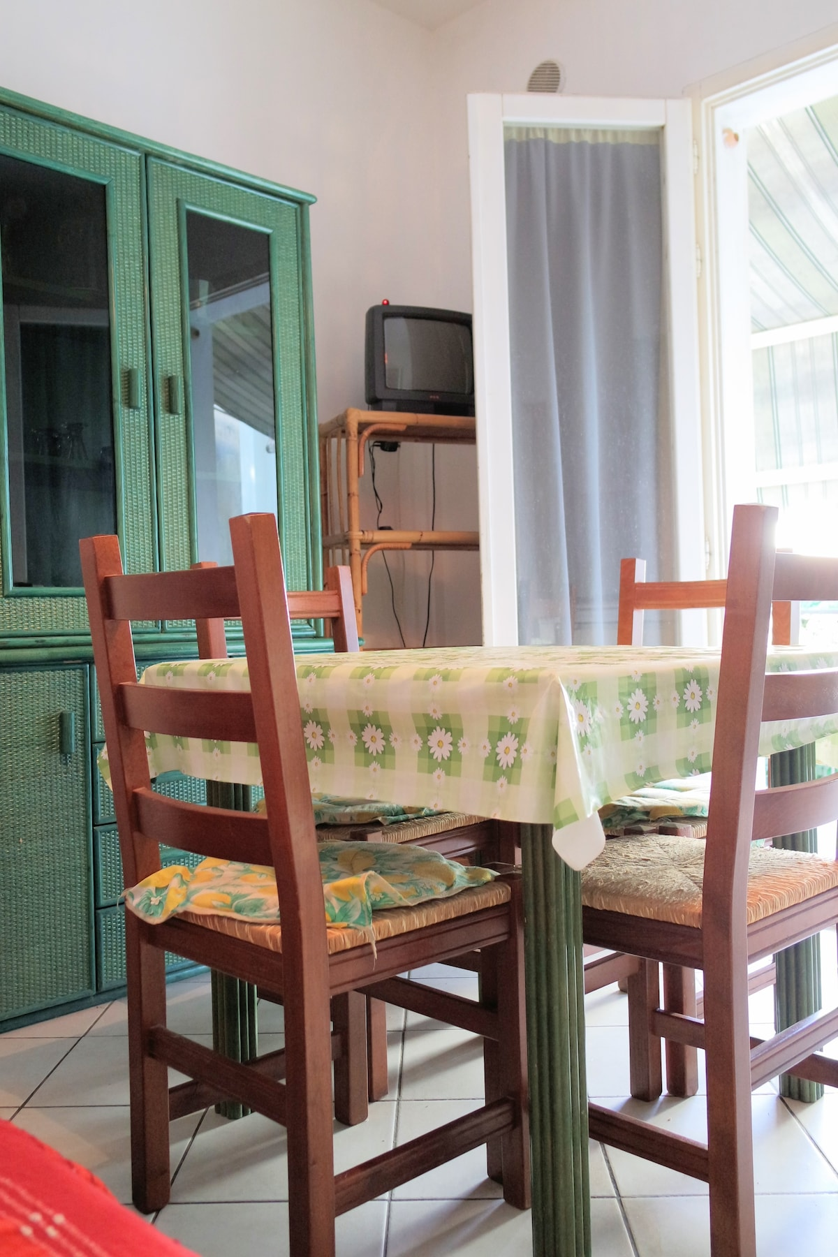 Comfortable apartment 100m from sea