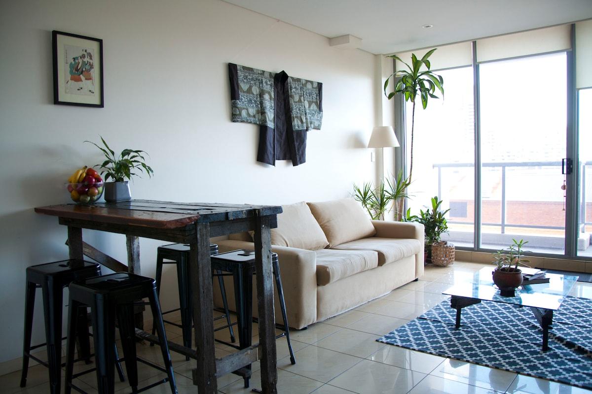 Stylish & Clean Waterloo Apartment