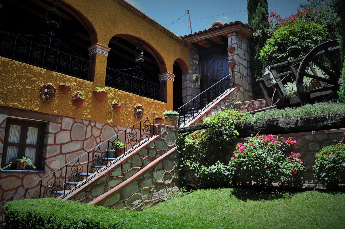 Charming Mexican House, 2Bed, 2Bath