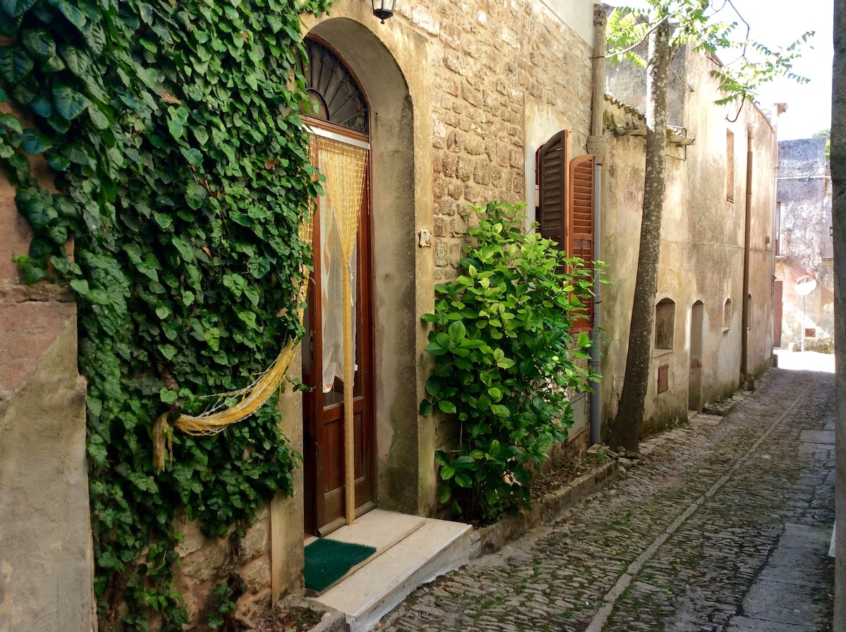 Charming little house in Erice