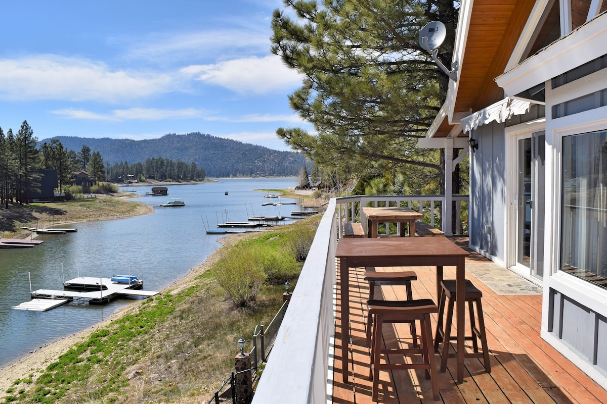 Blue Lagoon- Waterfront! 2 Cabins!