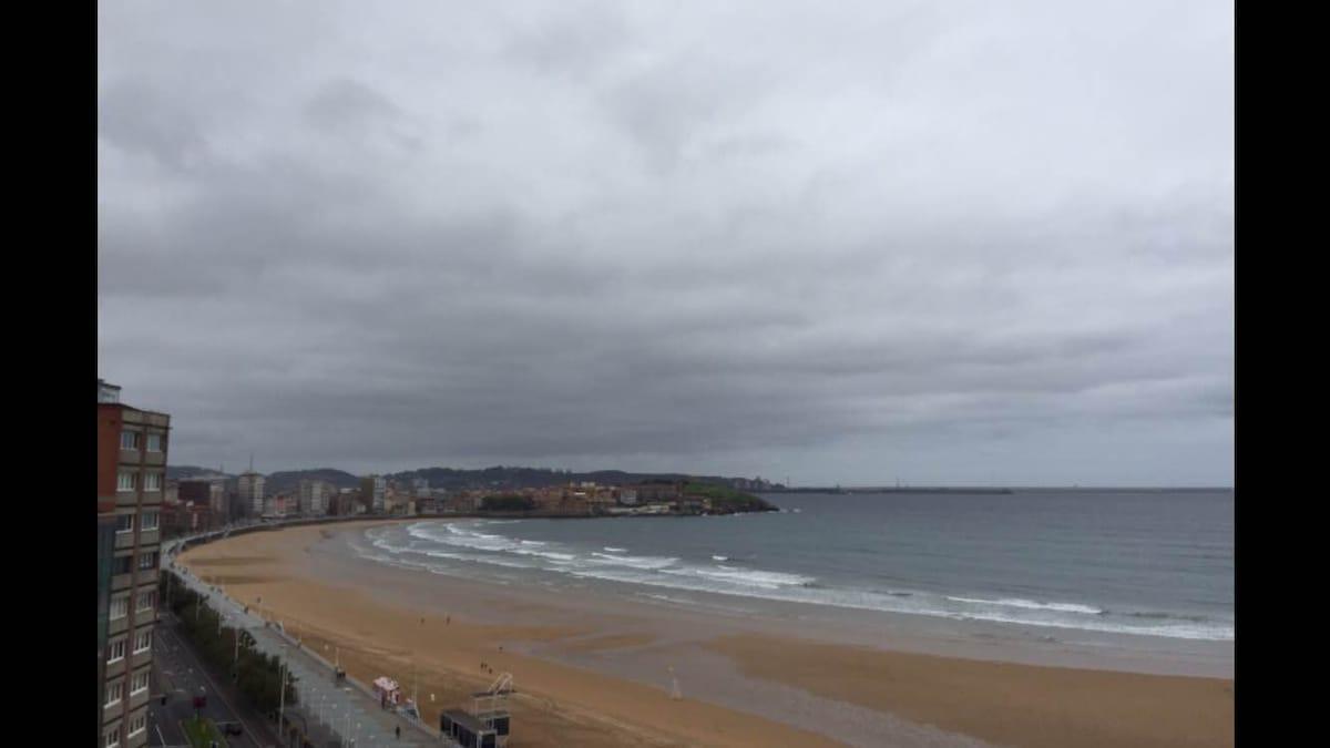 Atico con terraza 1ª linea de playa
