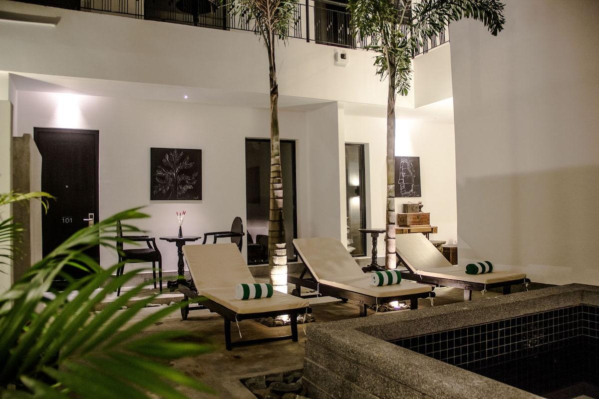 Best Location-H Hotel Cambodia