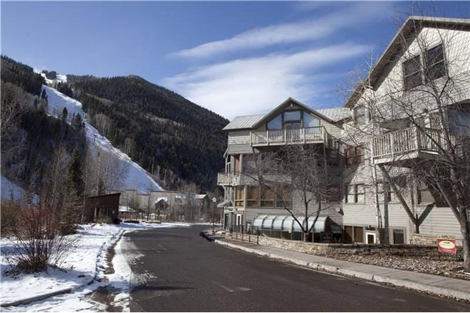 Plunge - 2BR Townhome Silver #A
