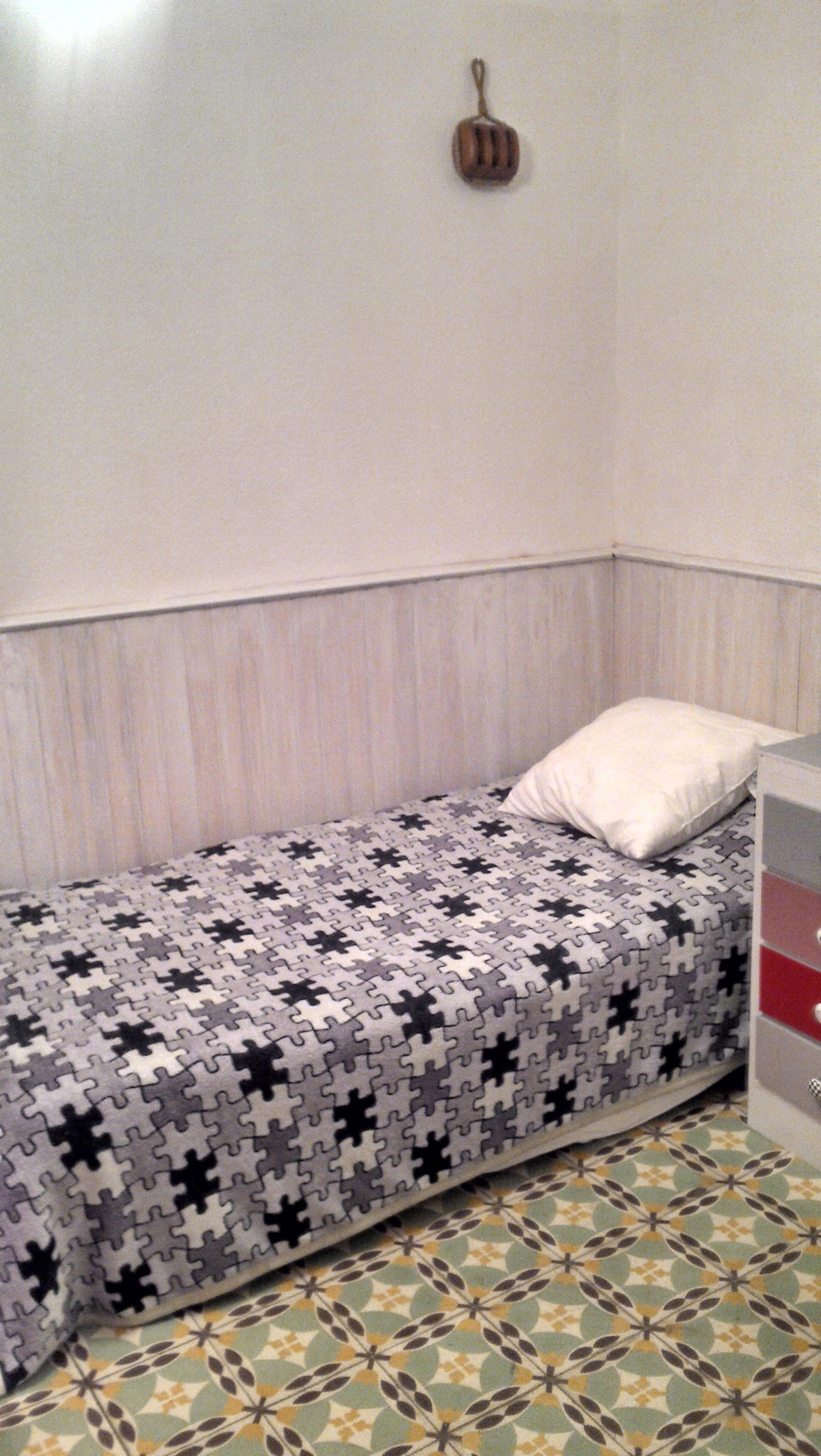 single room in student house