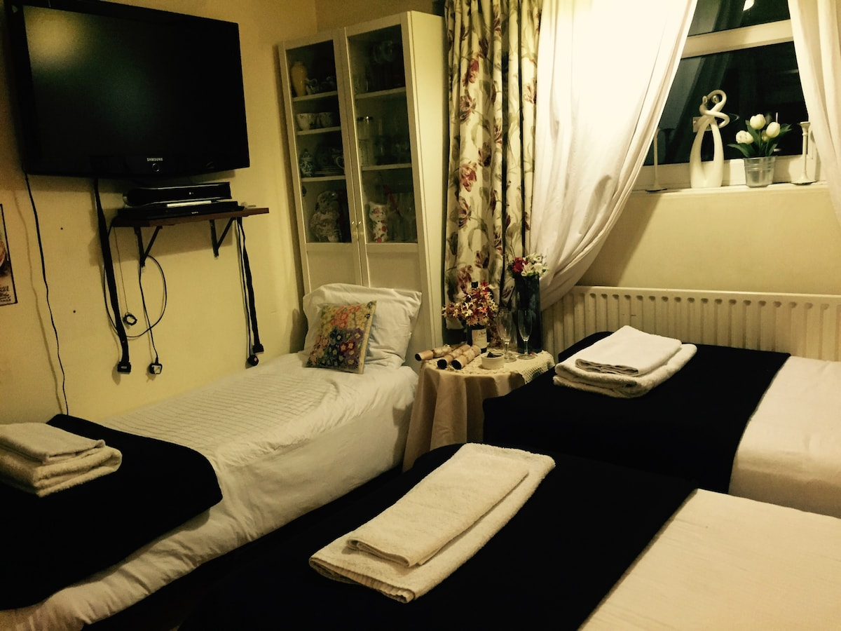 Room in Stockwell