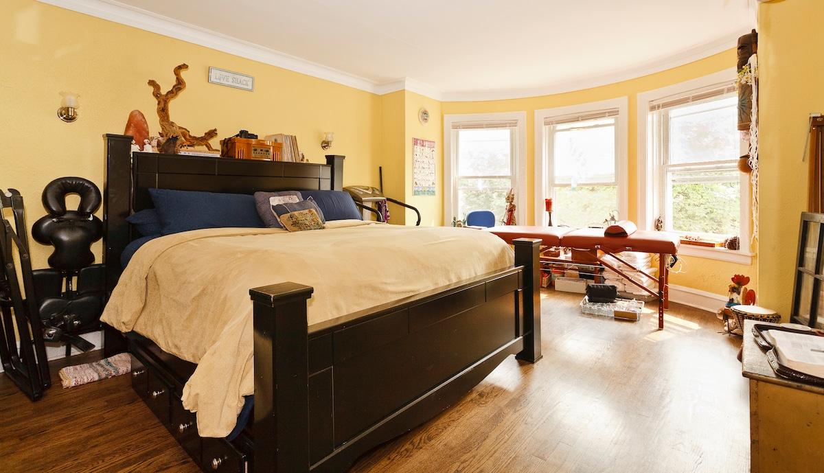 cozy 2 floor apt