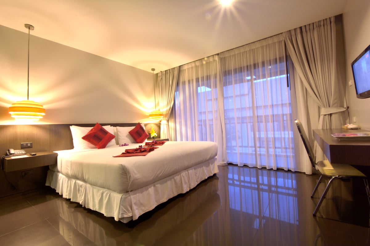 Chaweng  City- Modern-Comfort Room
