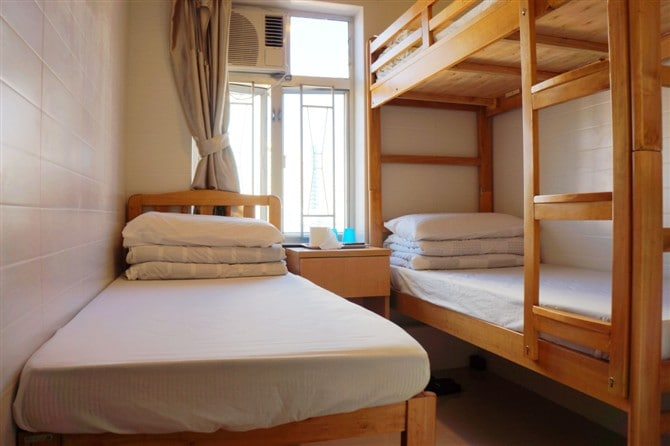 3 beds good for 3 persons near MTR