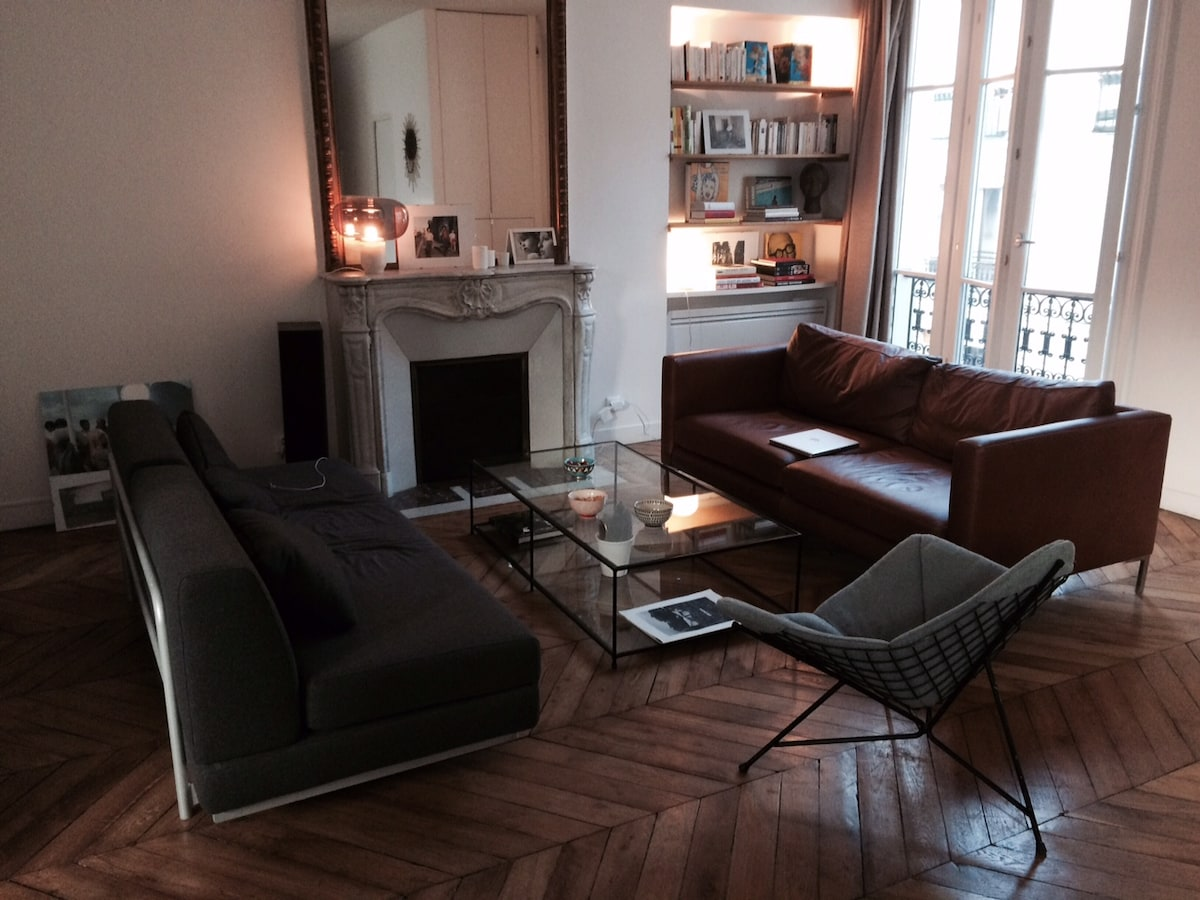 Sunny loft in trendy South Pigalle