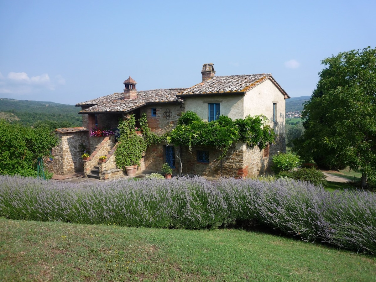 La Gioia country house with pool