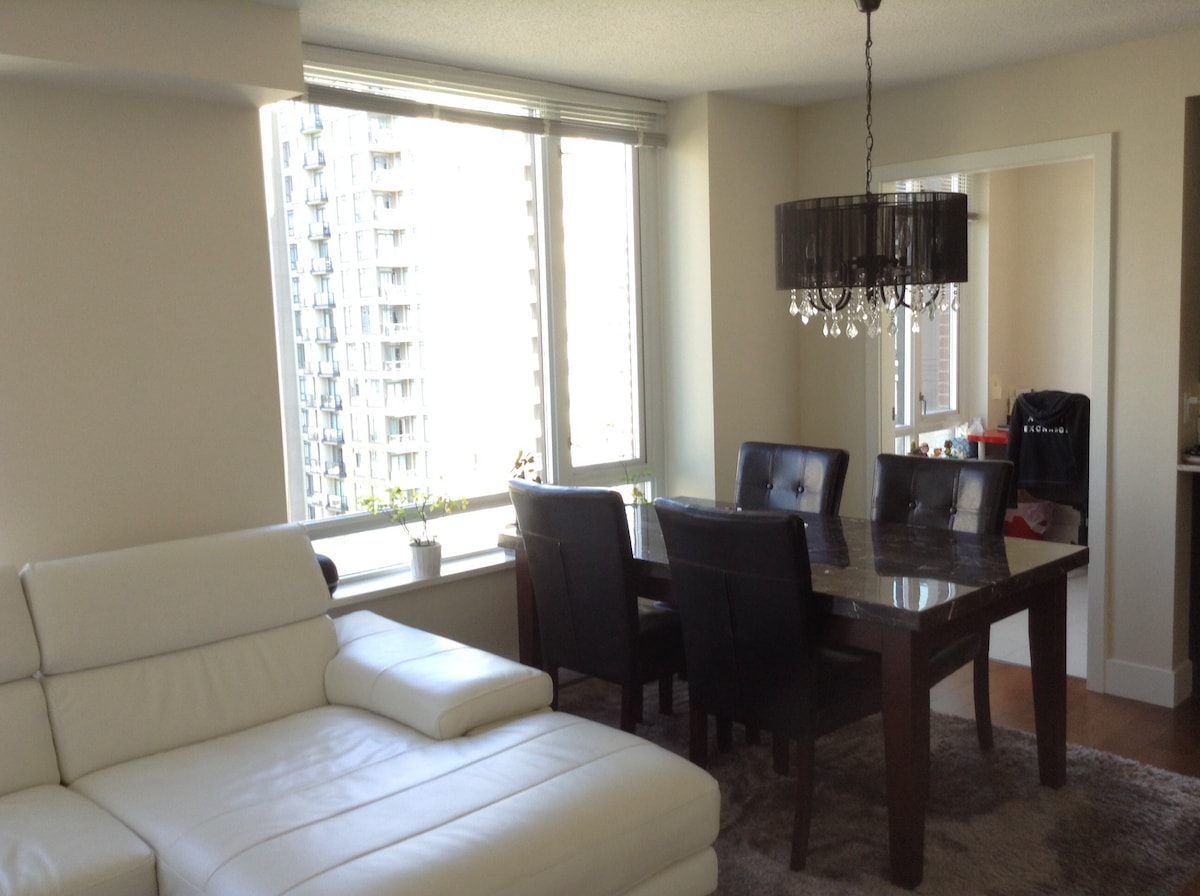 Small Private Room in Yaletown