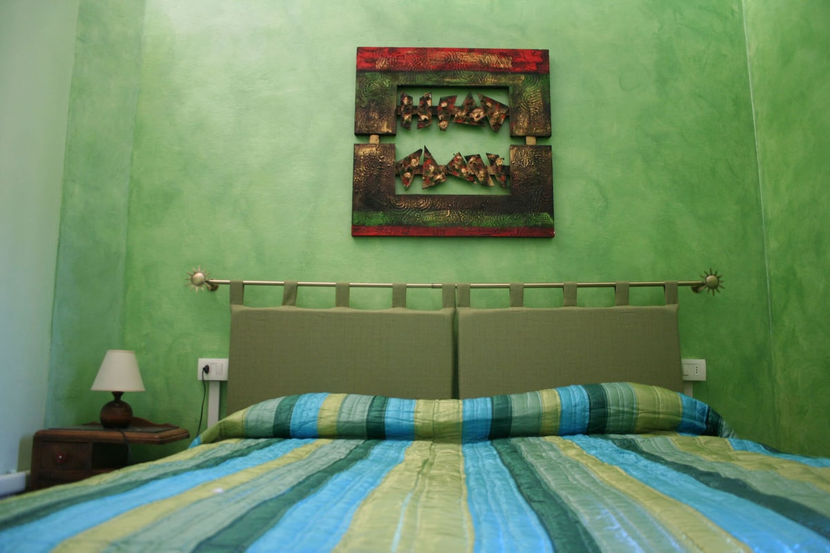 Didone, bedroom, green, private bathroom, air conditioning