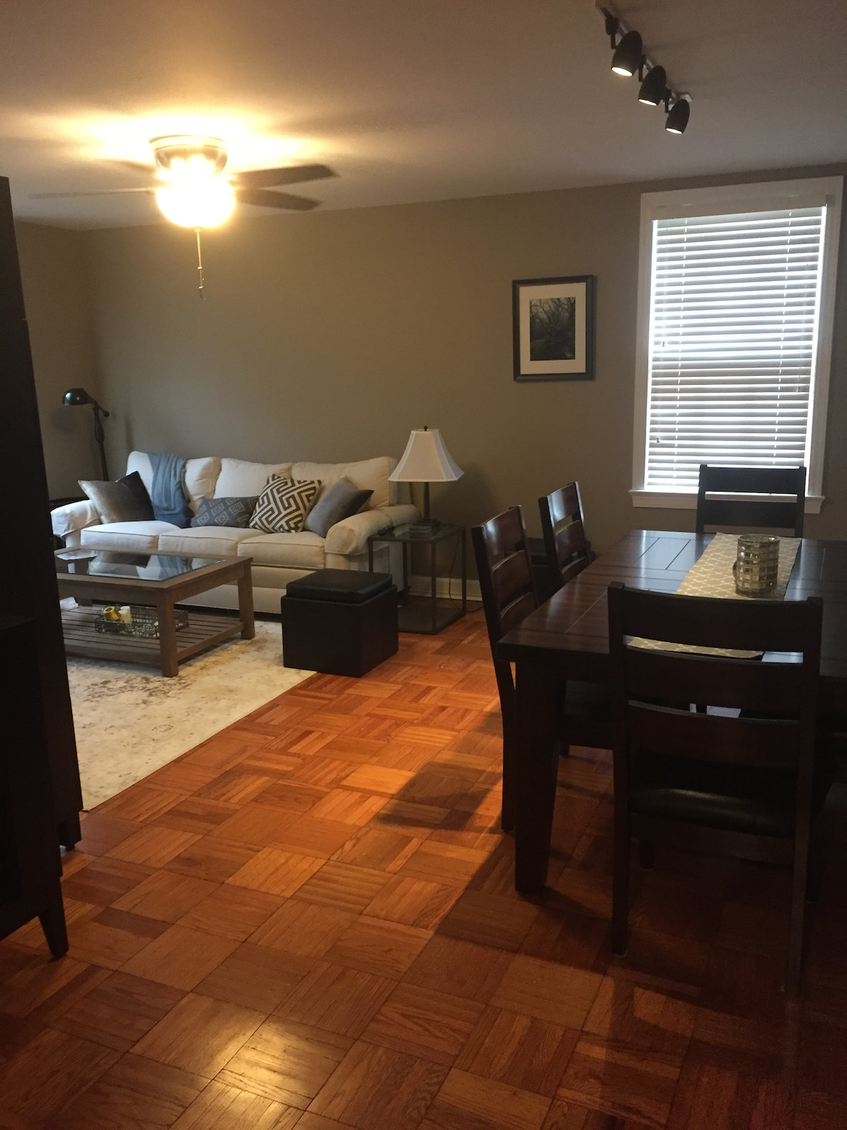 Cleveland Park- Great Location Apt