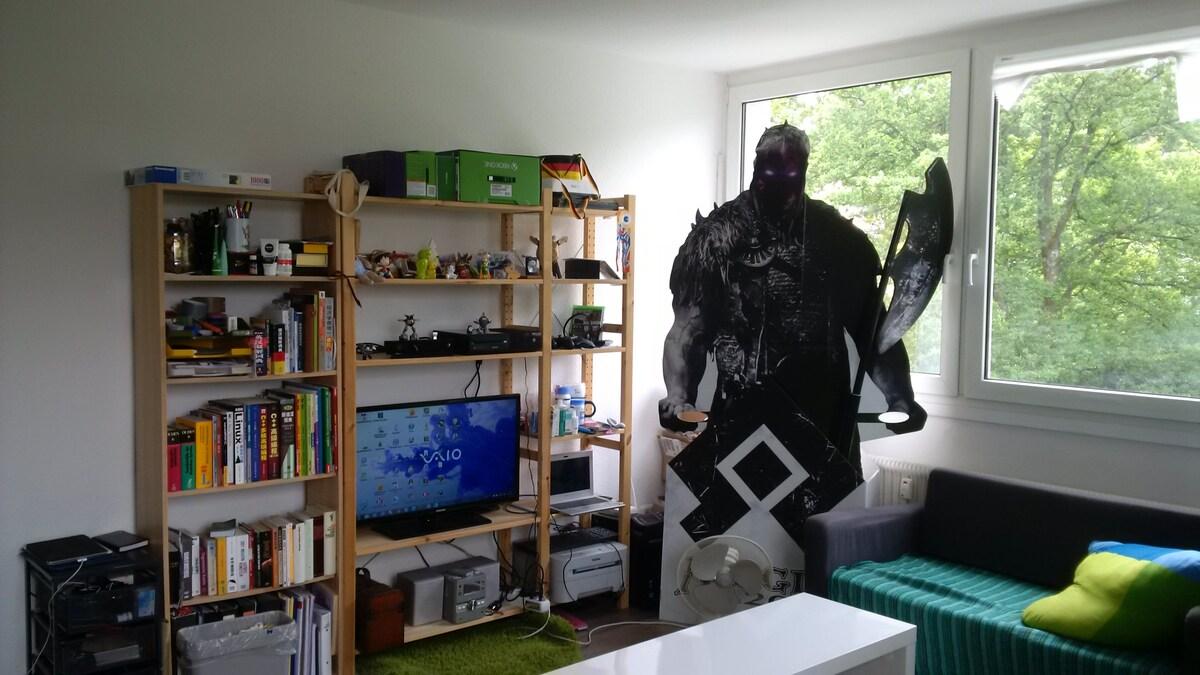 wg room in a convenient apartment