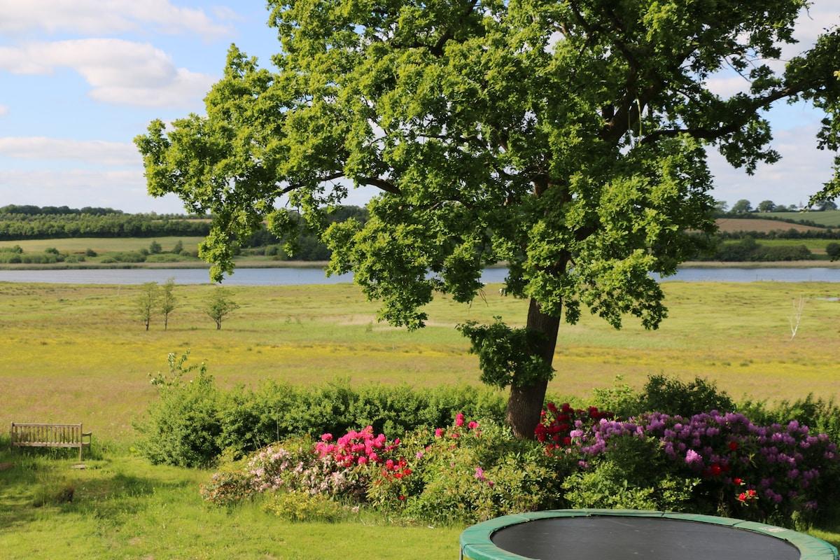 Skøn villa med fjordudsigt