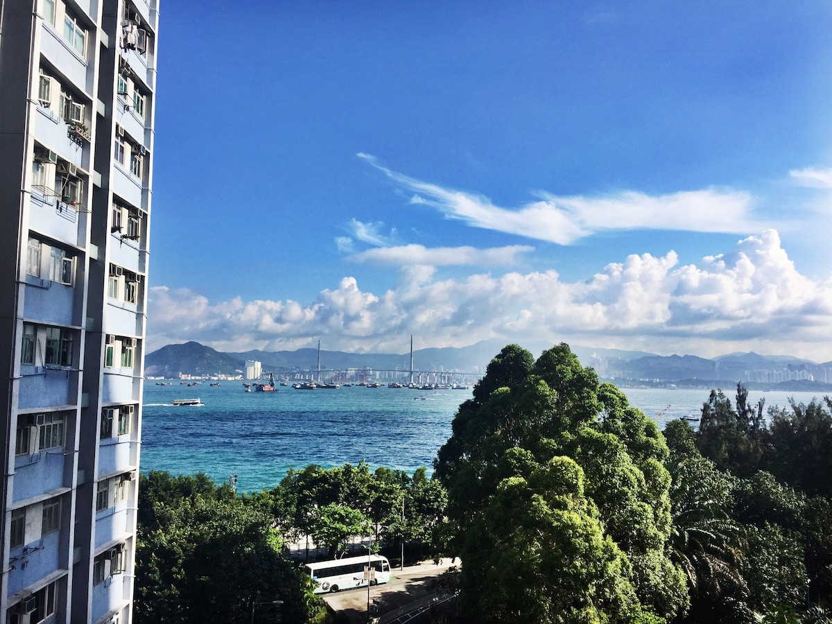 Double Bed & Roof Terrace in HK