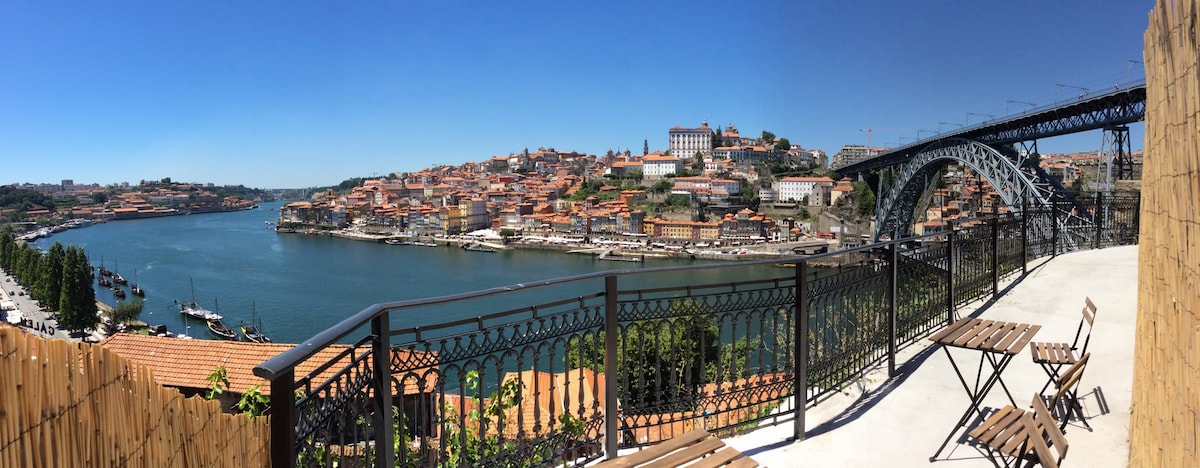Balcony of Douro riverfronts