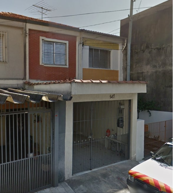 Casa simples e bem localizada.