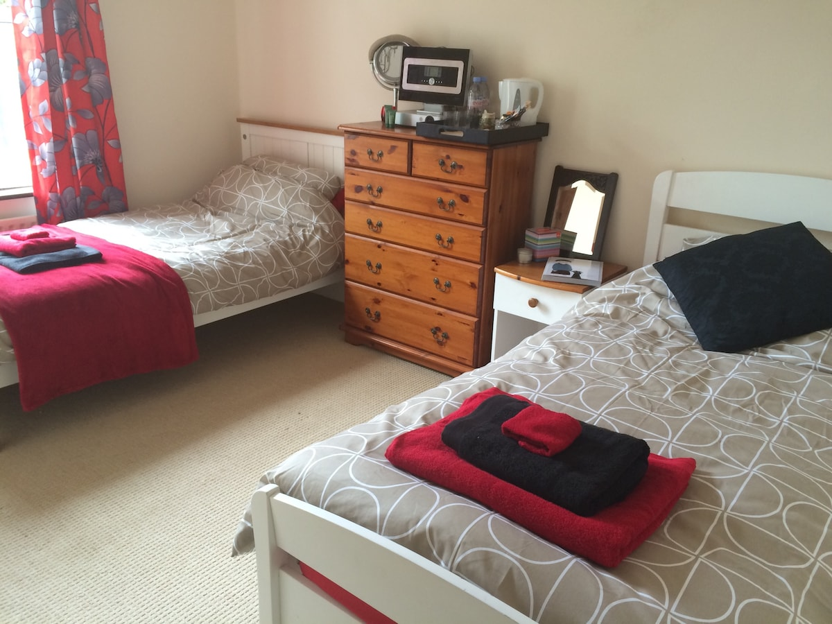 Single/Twin Great Brighton Location