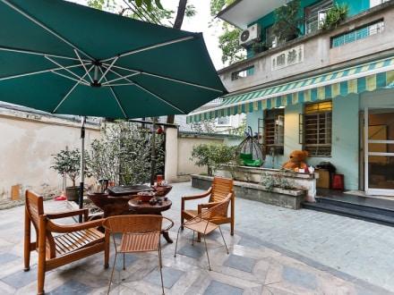 Quiet Villa in center GZ near MTR