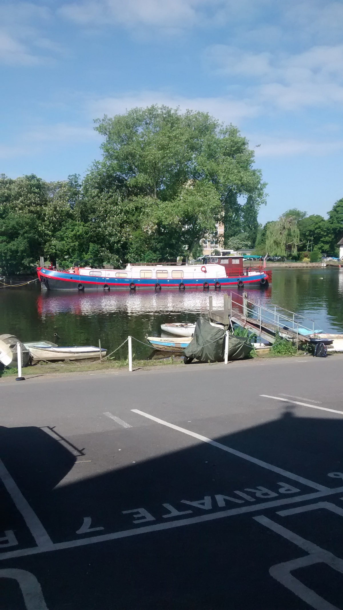 Dutch Barge Boat (80 by 15 foot)