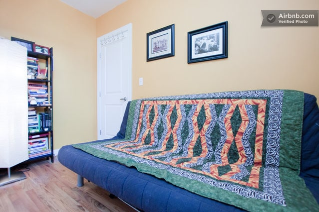 Guest bedroom in central location