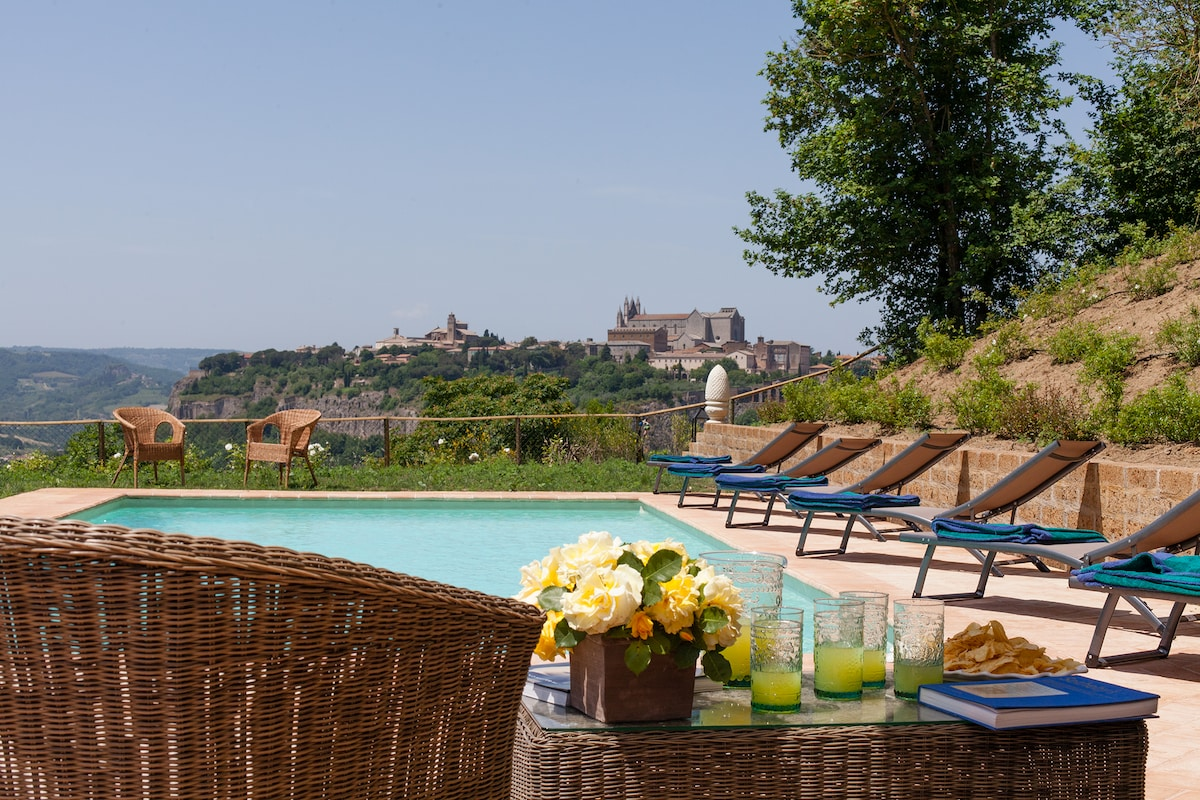 Country House on Orvieto's hills