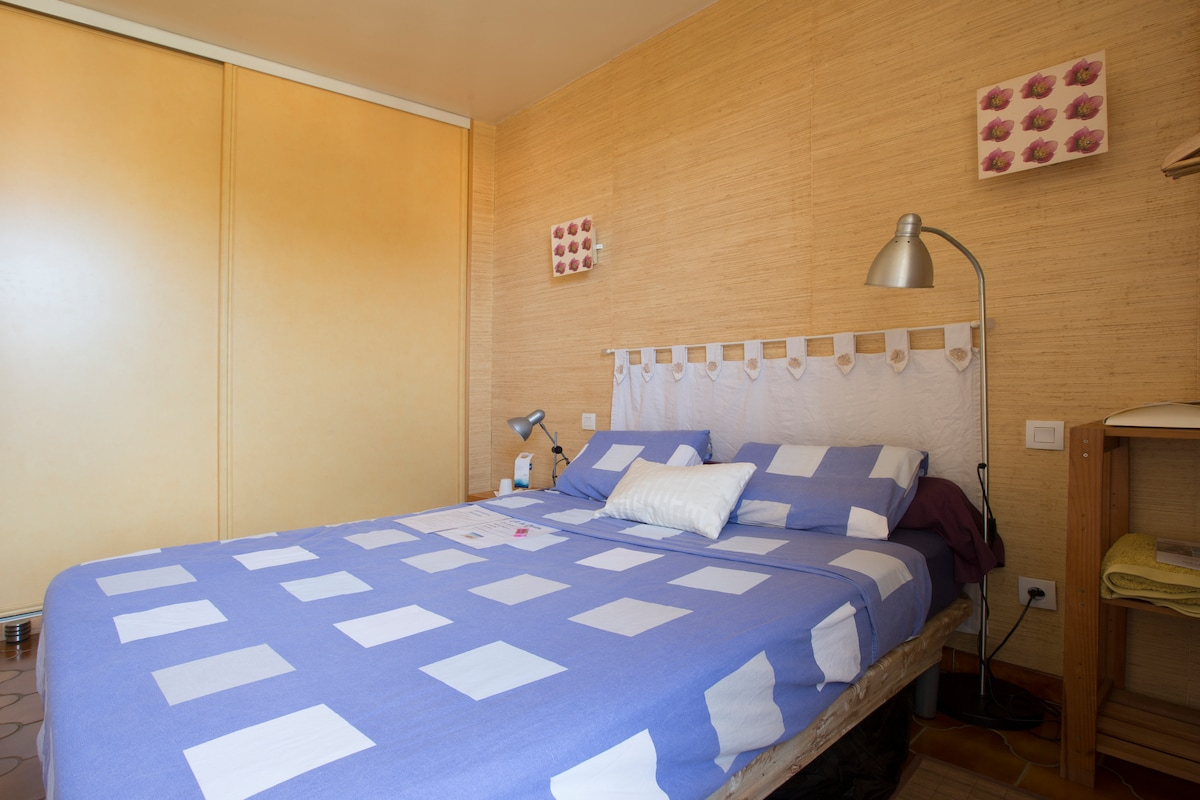 Cosy private room Canetplage France